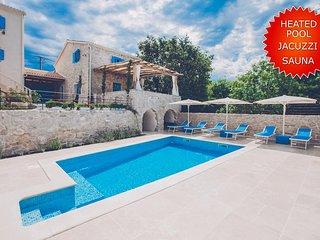 Luxuriose Villa mit high class Riviera Maison Mobeln eingerichtet