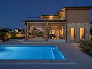 Beautiful luxury Villa - private pool, jacuzzi, outdoor sauna, sea view