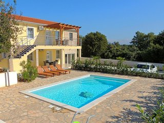 Kozji Vrh Holiday Home Sleeps 13 with Pool Air Con and WiFi - 5717955
