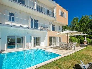 Luxurios und moderne Ferienhaus mit Pool und Meerblick