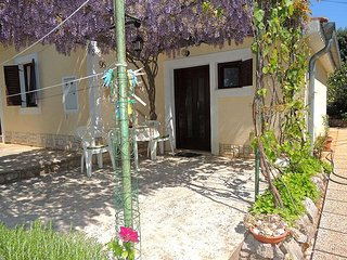 Charming couple Studio - quiet location, private terrace, private parking