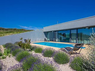 Modern luxury Villa - energy independent, panoramic sea view, peaceful, full pri