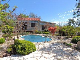 Komfortables Ferienhaus fur 4 Personen mit Garten und kleines Gemeinschaftspool