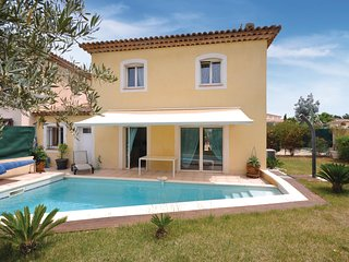 Beautiful home in Saint Raphael w/ WiFi and 3 Bedrooms