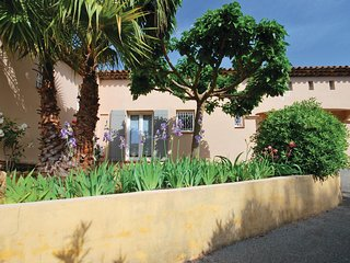 Awesome home in Saint Raphaël w/ WiFi and 2 Bedrooms
