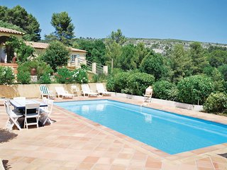 Stunning home in Salernes w/ WiFi and 5 Bedrooms