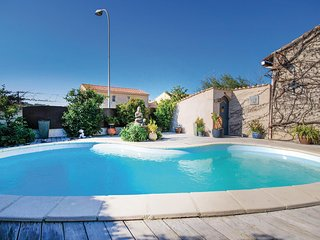Awesome home in Sanary sur Mer w/ WiFi, Outdoor swimming pool and 4 Bedrooms