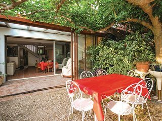 Stunning home in La Cadière D'Azur w/ WiFi and 3 Bedrooms