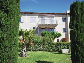 Amazing home in Lorgues w/ Outdoor swimming pool and 2 Bedrooms