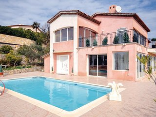 Beautiful home in Les Adrets w/ WiFi and 5 Bedrooms
