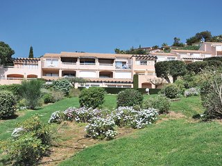 Beautiful home in Ste Maxime w/ 1 Bedrooms