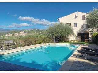 Stunning home in Montauroux w/ WiFi and 5 Bedrooms