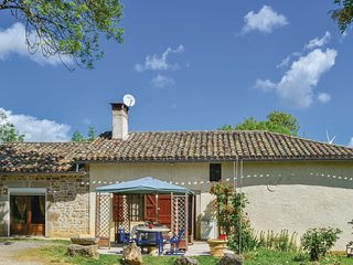 Beautiful home in Verfeil sur Seye w/ 2 Bedrooms