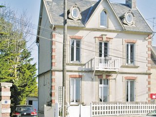Stunning home in Arromanches w/ WiFi and 1 Bedrooms (FNC034)