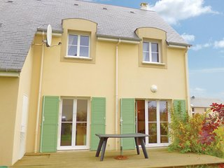 Beautiful home in Port-en-Bessin-Huppain w/ WiFi and 4 Bedrooms