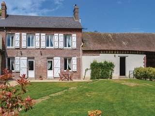 Nice home in Trie Chateau w/ WiFi and 2 Bedrooms