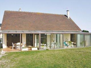 Nice home in Saint Germain sur Ay w/ 2 Bedrooms