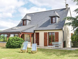 Nice home in Ceaux w/ WiFi and 3 Bedrooms