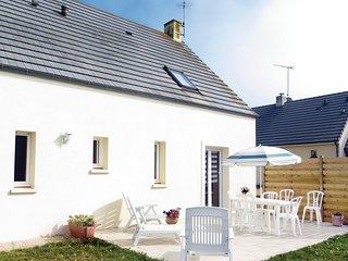 Amazing home in Saint-germain-sur-Ay w/ 4 Bedrooms