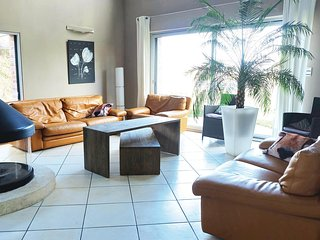 Beautiful home in Arques w/ WiFi and 5 Bedrooms