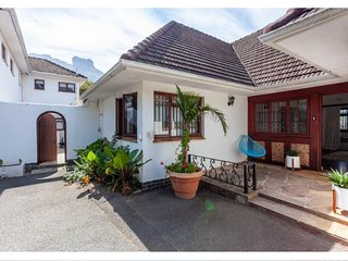Kirstenbosch Gardens Retreat Flat Let with Kitchen