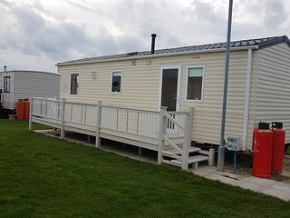 2 Bedroom caravan silver beach Ingoldmells
