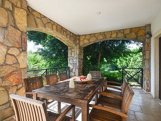 Bitez Villa Sleeps 8 with Pool and Air Con - 5774259