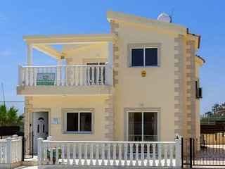 Villa Tia - 3 Bed Villa - 200m from Nissi Beach