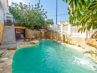 3 bedroom Villa with Pool and WiFi - 5774485