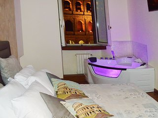 View Colosseum from Jacuzzi bath!