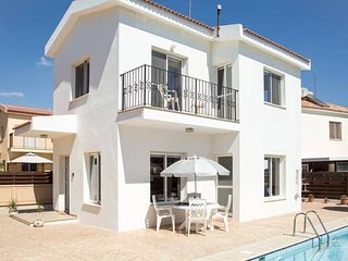 Villa Oceana - Modern 2 Bedroom Villa with Pool