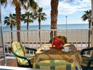 Superbe appartement ensoleillé en première ligne de plage