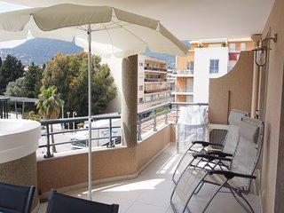 Appartement climatisé 45m² + balcon 16m² sud-ouest + Box voiture en sous-sol