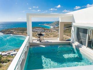 Villa Prestige - Luxurious 3 bedroom by the Beach