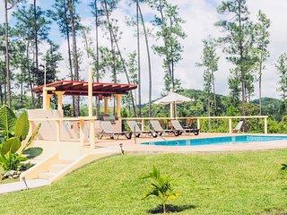 Peaceful Villa in Mountain Pine Ridge with A/C & Pool