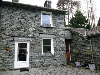 Annandale,Delightful Cottage with Idyllic Views of Langdale Pikes