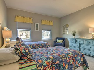 Home w/Pool Access, 1.5 Miles to Bethany Beach!