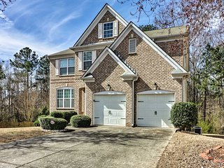 NEW-Locust Grove Home w/Deck - 2 Mi from Heron Bay