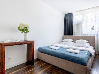 1 BR Apartment GRZYBOWSKA 3