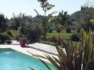 Belle et grande villa sous le soleil occitan