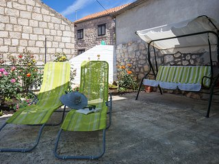 Holiday Home Nikica - Two Bedroom Apartment with Terrace and Partial Sea View