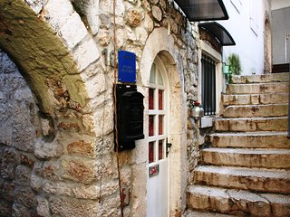 Charming 2 bedroom apartment in Trogir Old Town