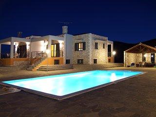 'Lemonia' Luxury Villa Apartment