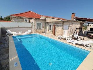 House with pool for rent, Zrnovo, Korcula