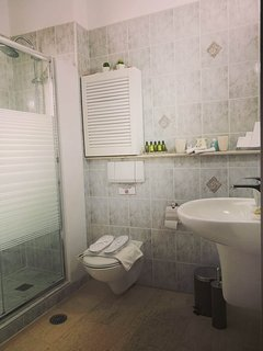3rd bathroom with shower cabin