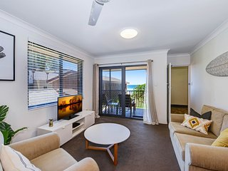 Hi Surf 6 - Beachfront Unit