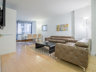 17F-E-40TH ST. LUXURY 2BR-POOL-BALCONY!