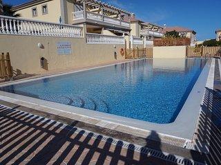 NEW stunning 3 bed villa, 2 x sunny terraces, El Medano Beach