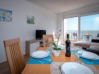 Luxury apartment on beach
