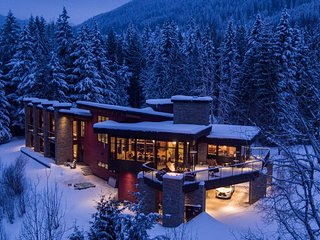Exclusive fully serviced accomodation for heliskiing and delight in Revelstoke